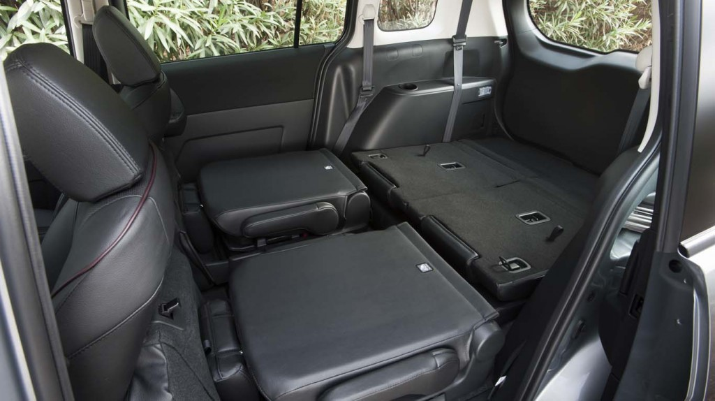 Mazda5-2015-interior-view-of-seating