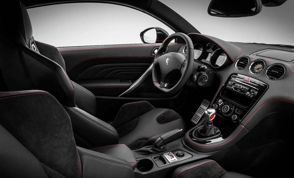 Peugeot-RCZ-R-comfy-interior