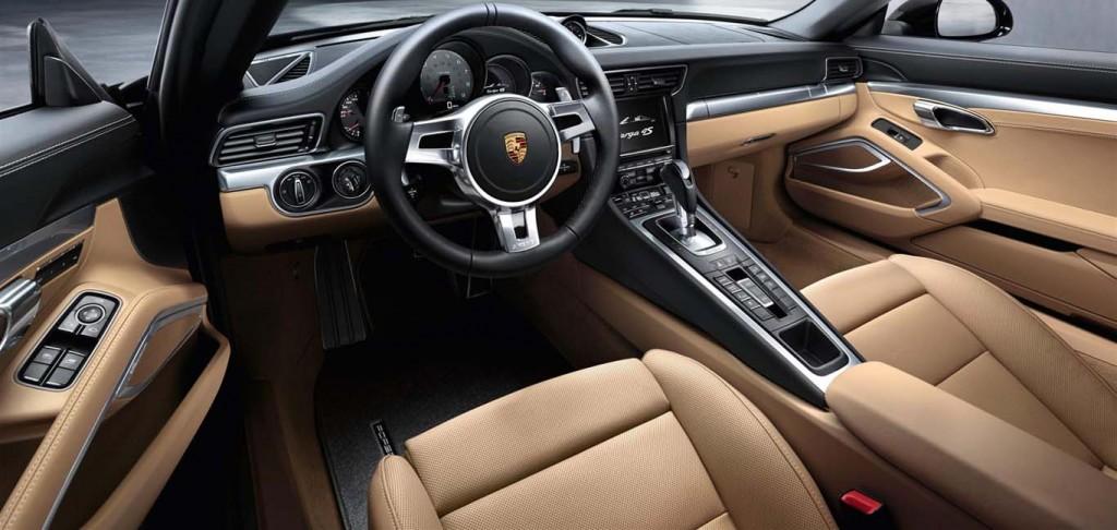 Porsche-911-Carrera-4S-Dash