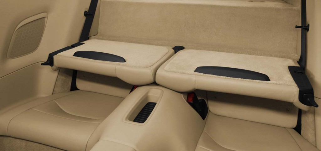 Porsche-911-Carrera-S-back-seats