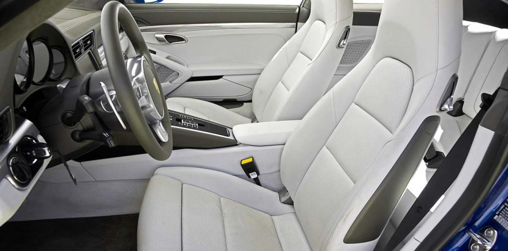 Porsche-911-Carrera S-interior
