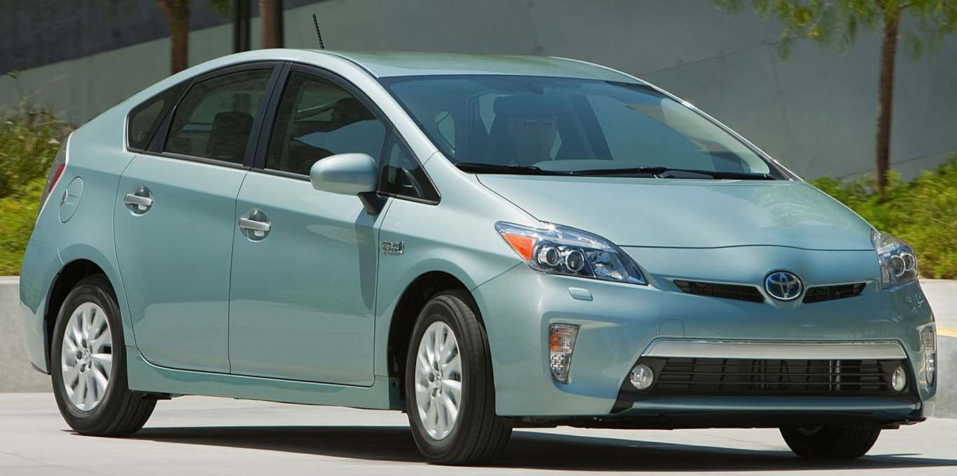 Fuel Efficient Large Hybrid Car Prius Plug In