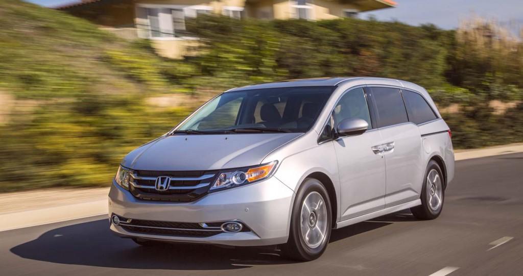 best-economical-family-car-Honda-Odyssey-2015