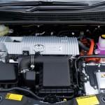 prius-plug-in-hybrid-2015-engine-view