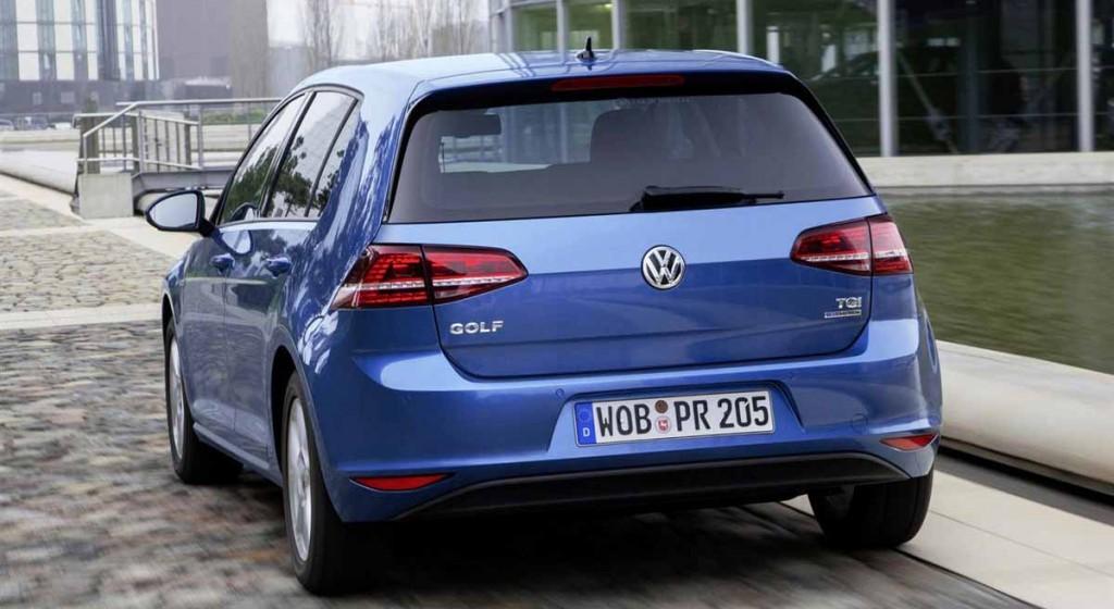 Volkswagen-Golf-BlueMotion-back-view-economical-car