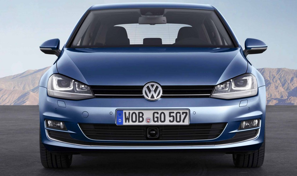 Volkswagen-Golf-BlueMotion-front-view-economical-cars