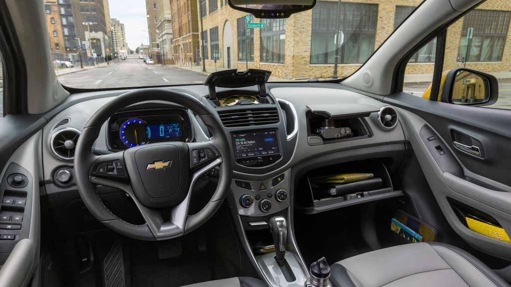Chevrolet-Trax-2016-inner