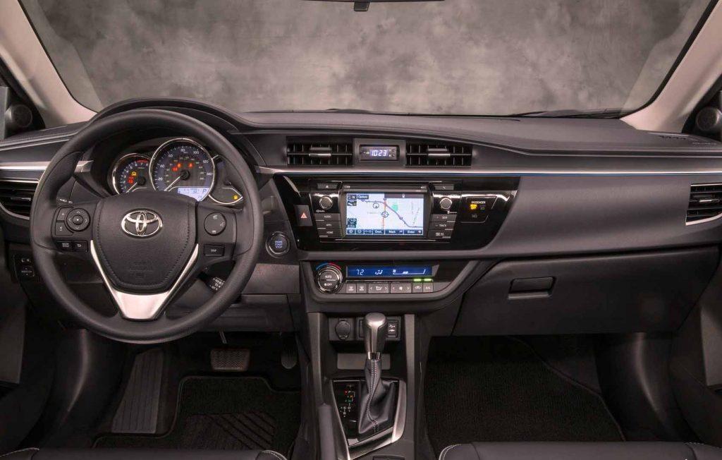Corolla-LE-Eco-Interior