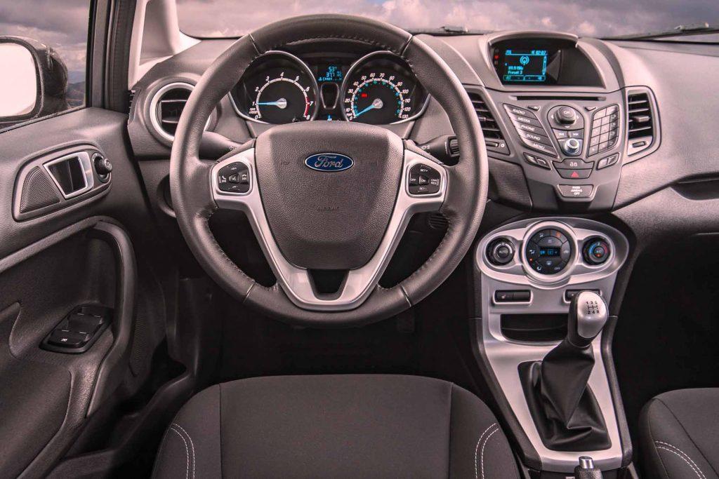 Ford-Fiesta-SE-EcoBoost-interior