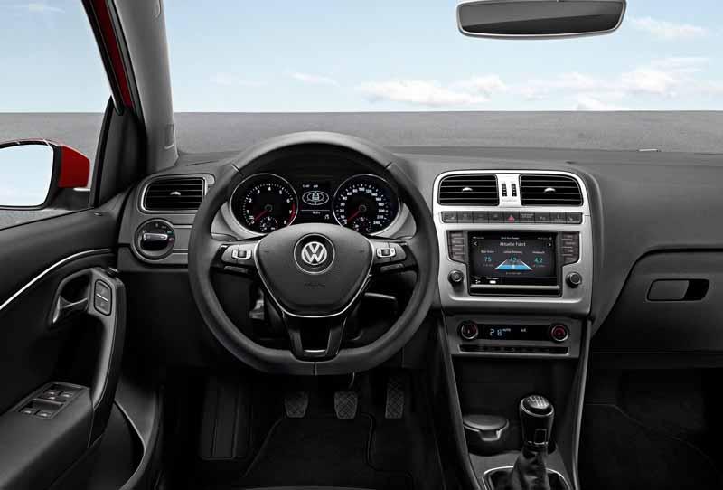 Volkswagen Polo interior