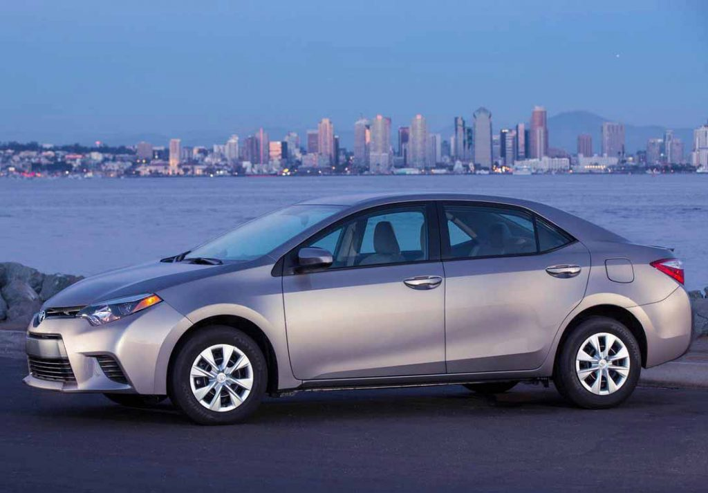Fuel Efficient Non Hybrid Cars toyota-corolla-2014-le-eco-side view
