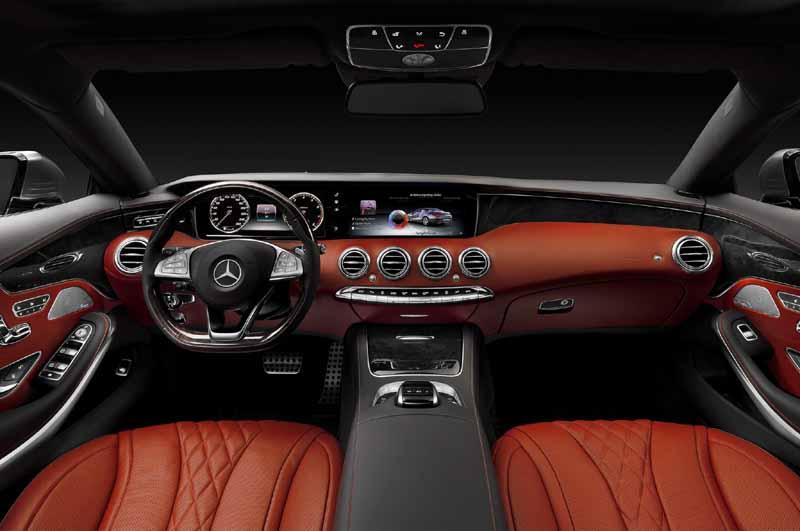Mercedes Benz SLK Class cabin