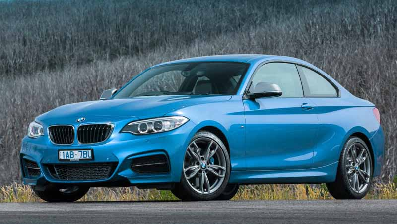 fuel efficient sports cars automatic transmission bmw m235i front