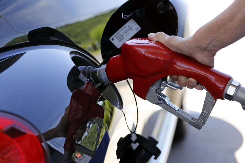 engine size fuel economy relationship